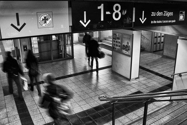 Der Bahnhof ist weiterhin Symbol für Gehen und Ankommen. © Foto_Michel (creative commons)