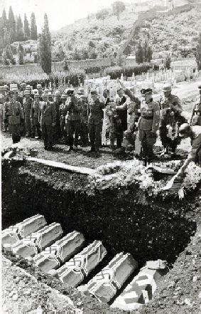 Militärbegräbnis © Südtiroler Landesarchiv/Bildarchiv Urban Rienzner