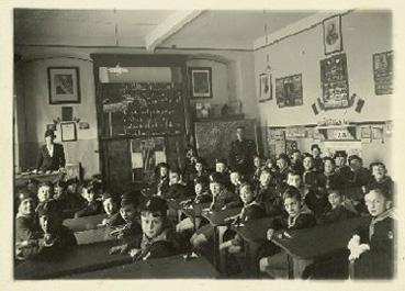 Volksschulklasse in Meran 1937. © Südtiroler Landesarchiv/Sammlung Option - Tiroler Geschichtsverein